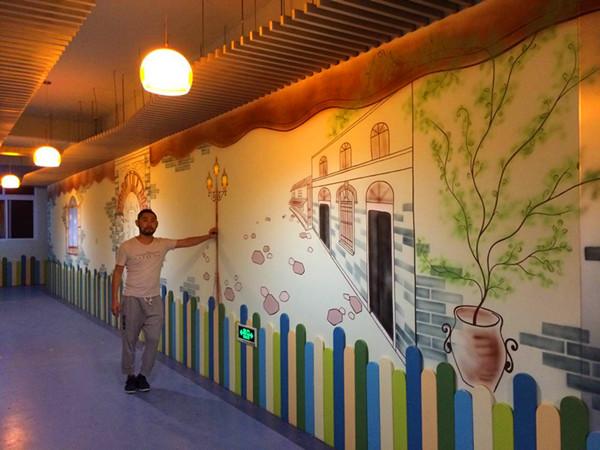 幼儿园最简单手工吊饰|幼儿园走廊墙壁创意|幼儿园走廊环创民族风图片